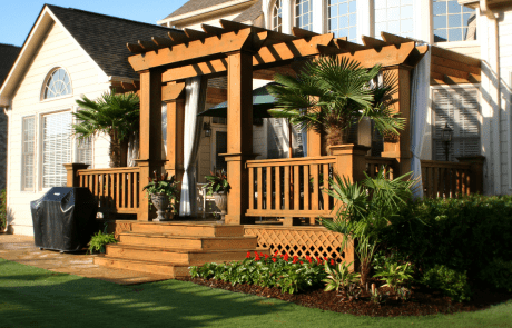 Traditional Outdoor Living